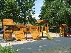Révfülöpi közterületi játszótér